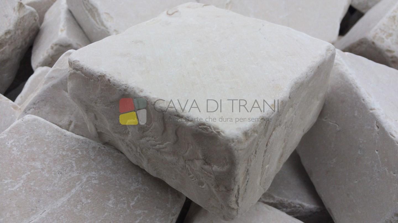Cubetti anticati in Pietra di Trani