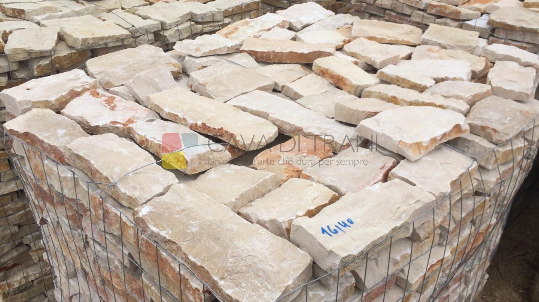 Listelli tranciati, squadrati e spaccati grezzi in Pietra di Trani