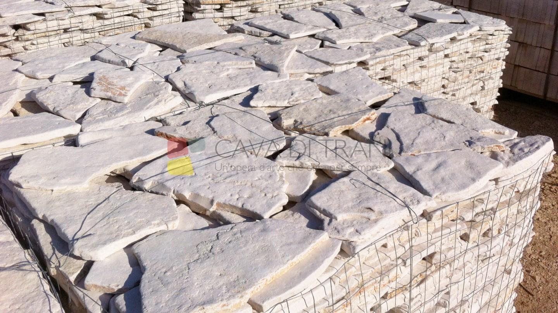 Scorza di cava anticata in Pietra di Trani