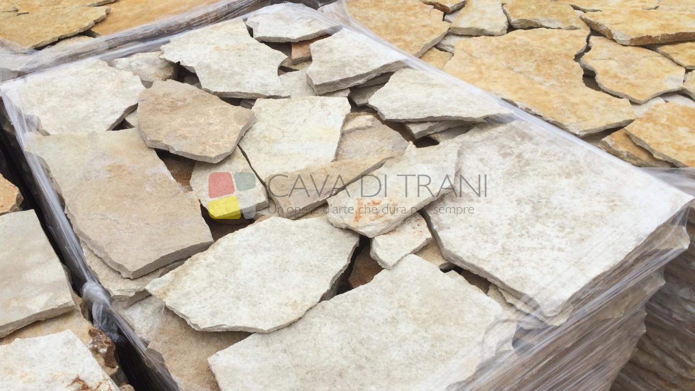 Scorza di cava in Pietra di Trani